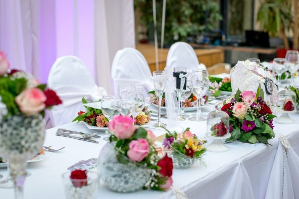 dinner-roses-decoration-wedding
